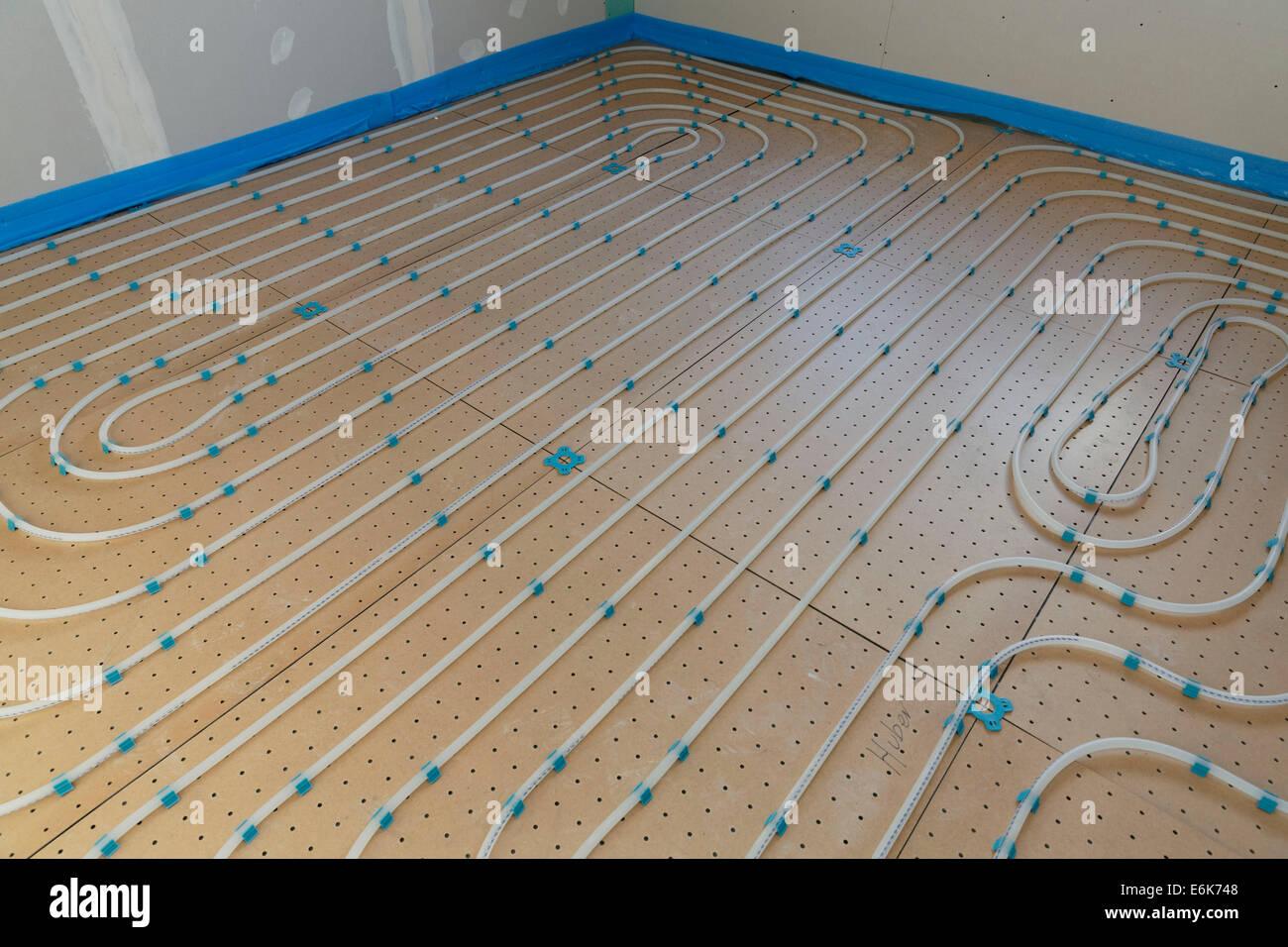 Riscaldamento A Pavimento Tubi tubi flessibili o tubazioni di un riscaldamento a pavimento
