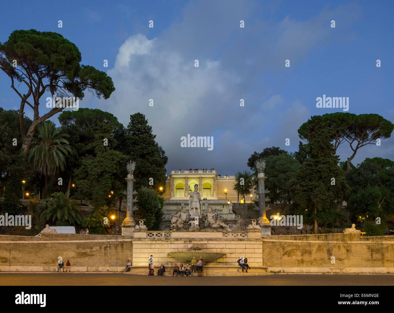 La terrazza del Pincio e la fontana della dea di roma o la fontana della Dea di Roma, Roma, lazio, Italy Immagini Stock