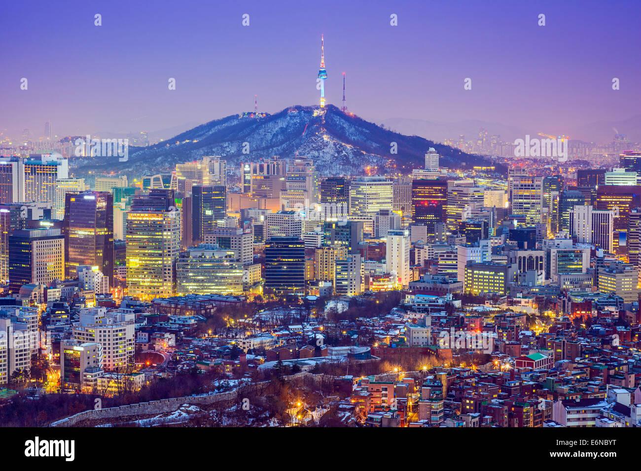 Seoul, Corea del Sud dello skyline della città al crepuscolo. Immagini Stock