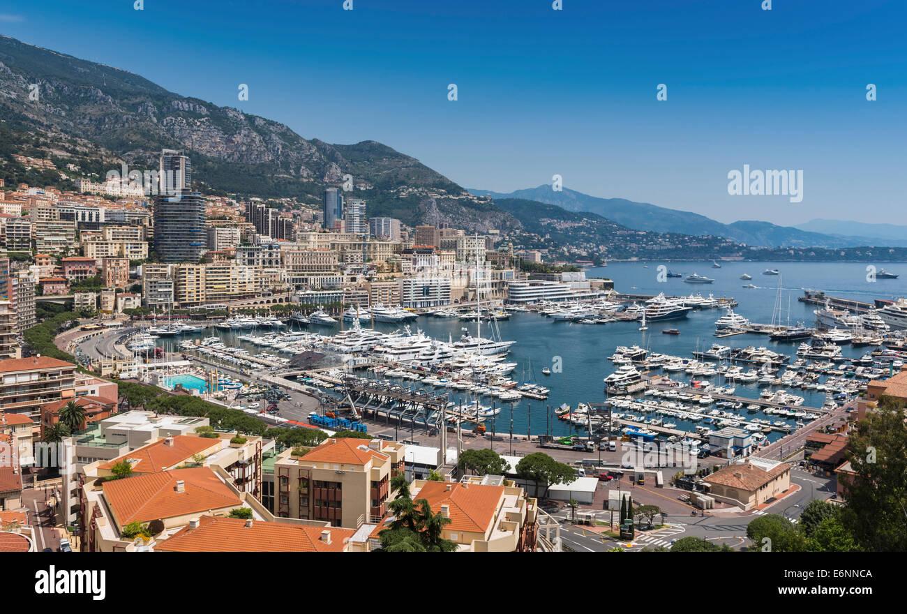Monte Carlo, Monaco, nel sud della Francia, Europa - Vista sul porto Immagini Stock