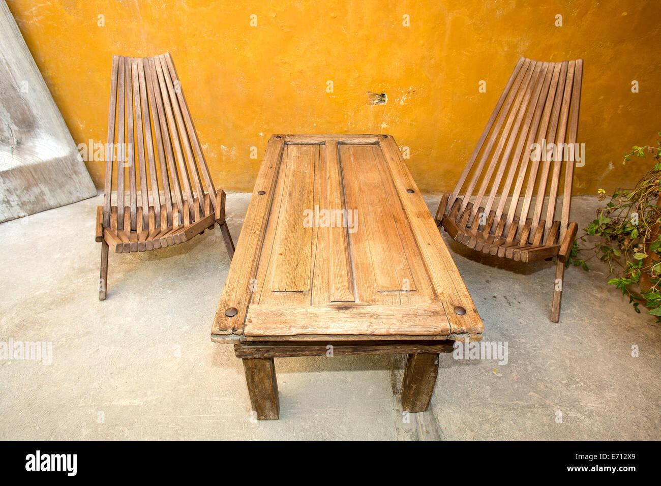 Mobili Legno Recuperato : Mobili fatti di legno recuperato foto & immagine stock: 73168321 alamy
