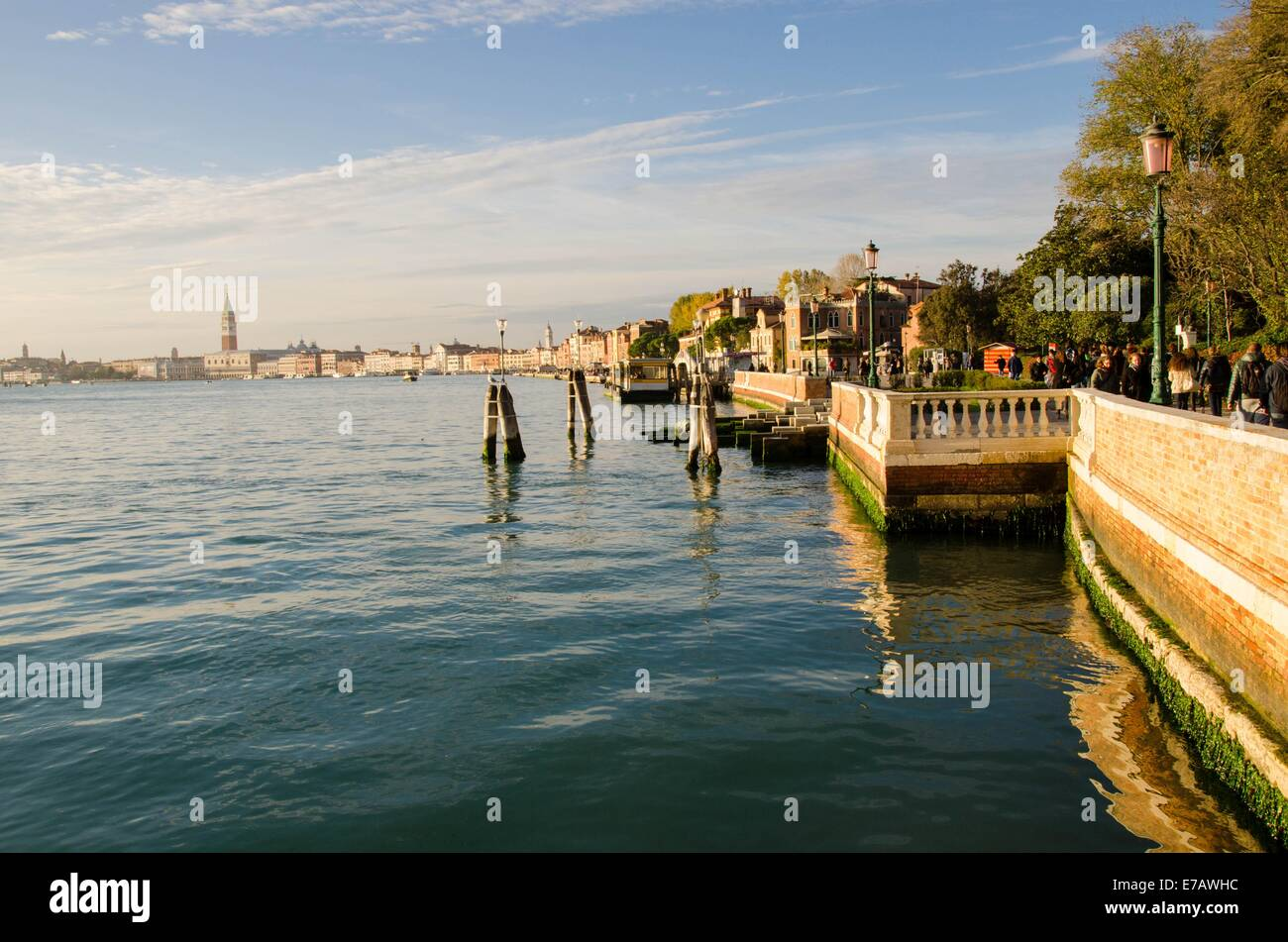 L'Italia, Venezia, Venezia, Venedig, Canale di San Marco, Riva dei Sette Martiri Immagini Stock