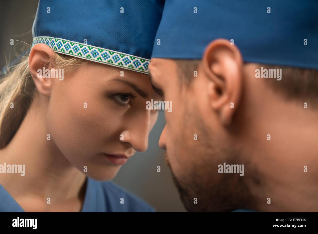 Il duro lavoro dei medici Immagini Stock