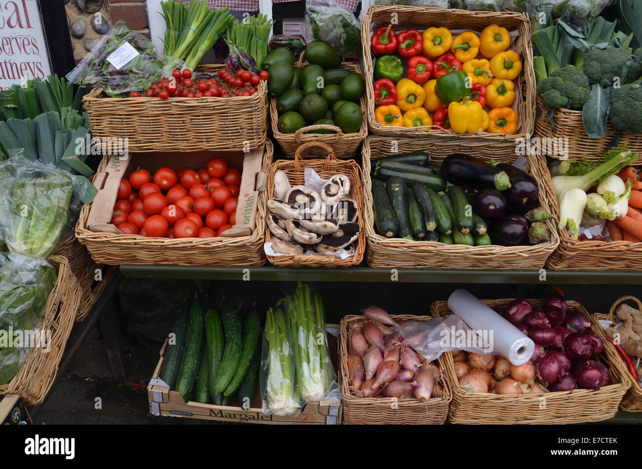 Negozio locale, vende principalmente prodotti locali, Cley accanto al mare, Norfolk Agosto 2014 REGNO UNITO Immagini Stock