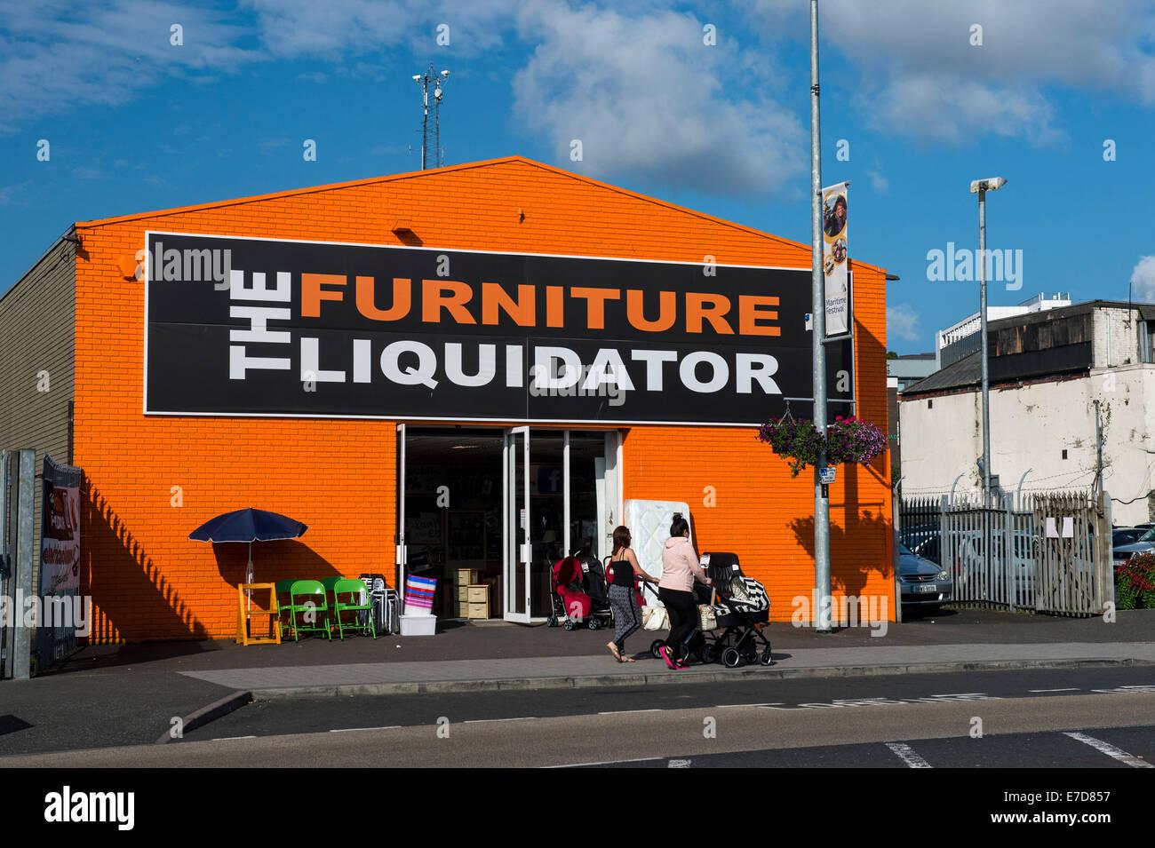 Il curatore fallimentare di mobili store, Queen's Quay, Derry, Londonderry, Irlanda del Nord. Immagini Stock