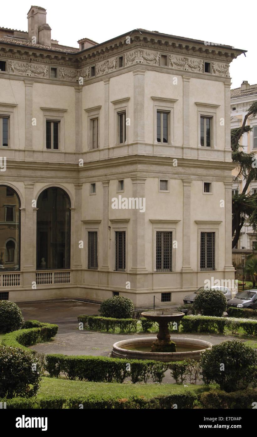 L'Italia. Roma. Villa Farnesina. Costruito da Baldassarre Peruzzi (1481-1536), 1506-1510. Esterno. Immagini Stock