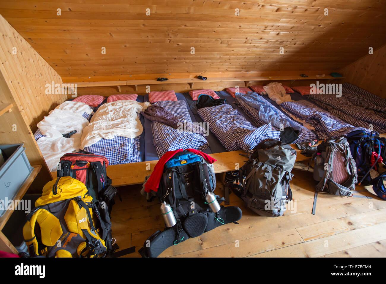 Immagini Di Camere Da Letto Di Montagna : Una delle camere da letto dormitorio in cabanne d orny nelle alpi
