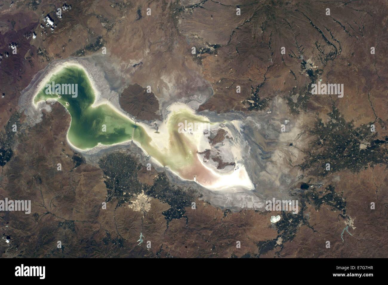 Il lago di Urmia nell'Iran occidentale Immagini Stock