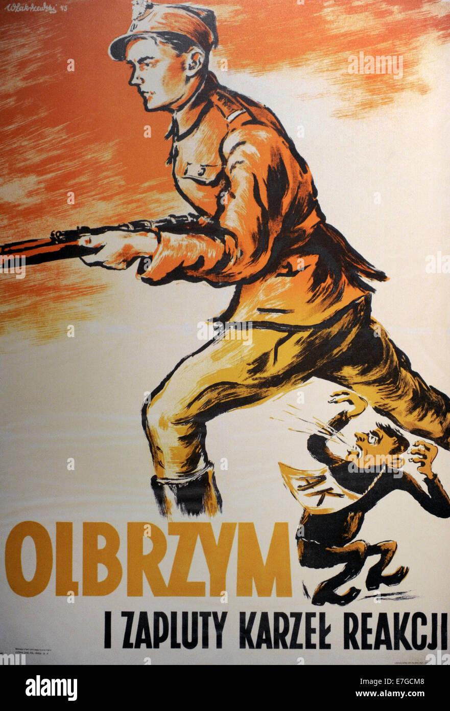 Poster raffigurante un soldato di comunista Armia Ludowa resistenza e soldato Armia Krajowa. Da Wlodzimierz Zakrzewski. Immagini Stock