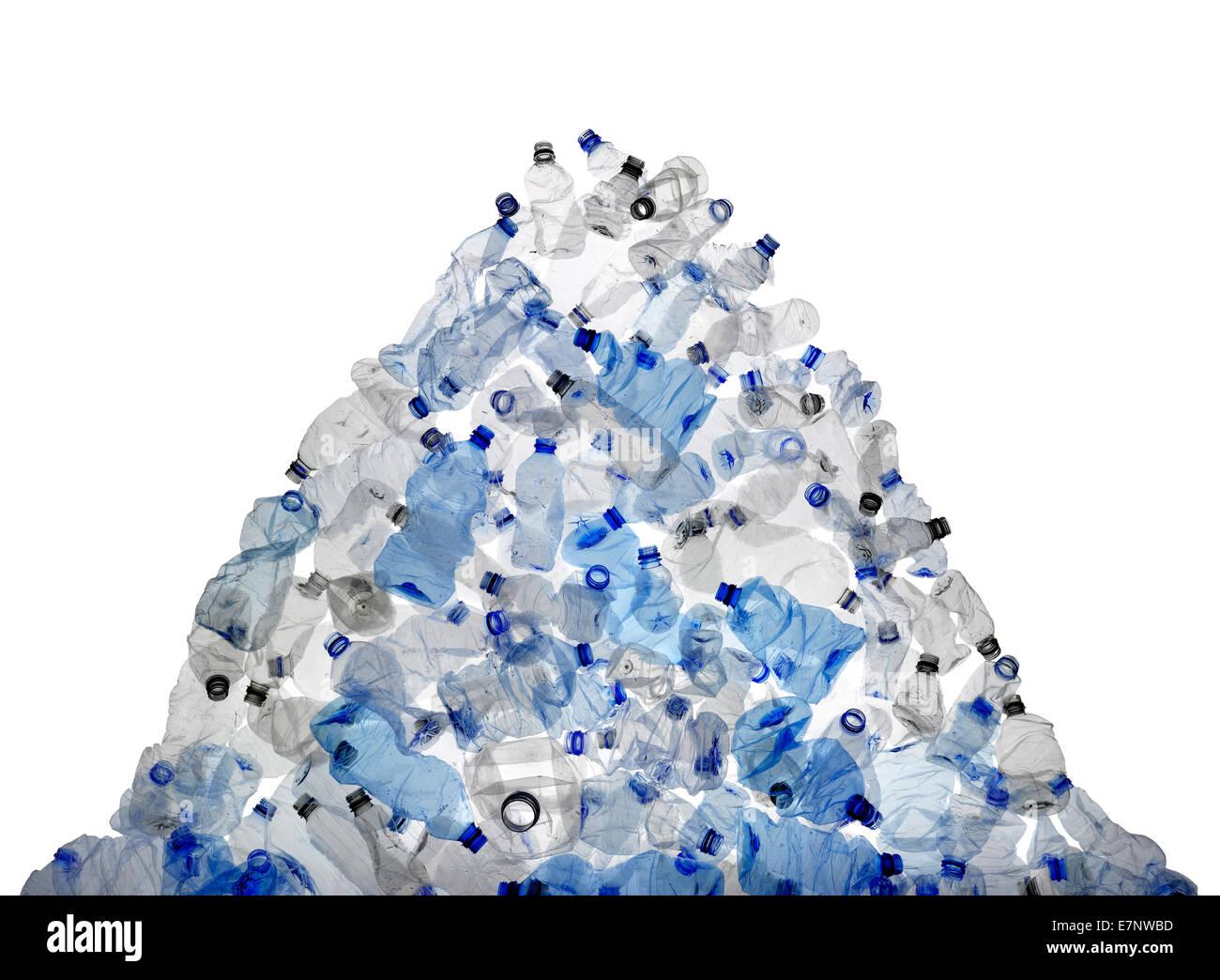 Un grande mucchio di scartare le bottiglie di plastica Immagini Stock