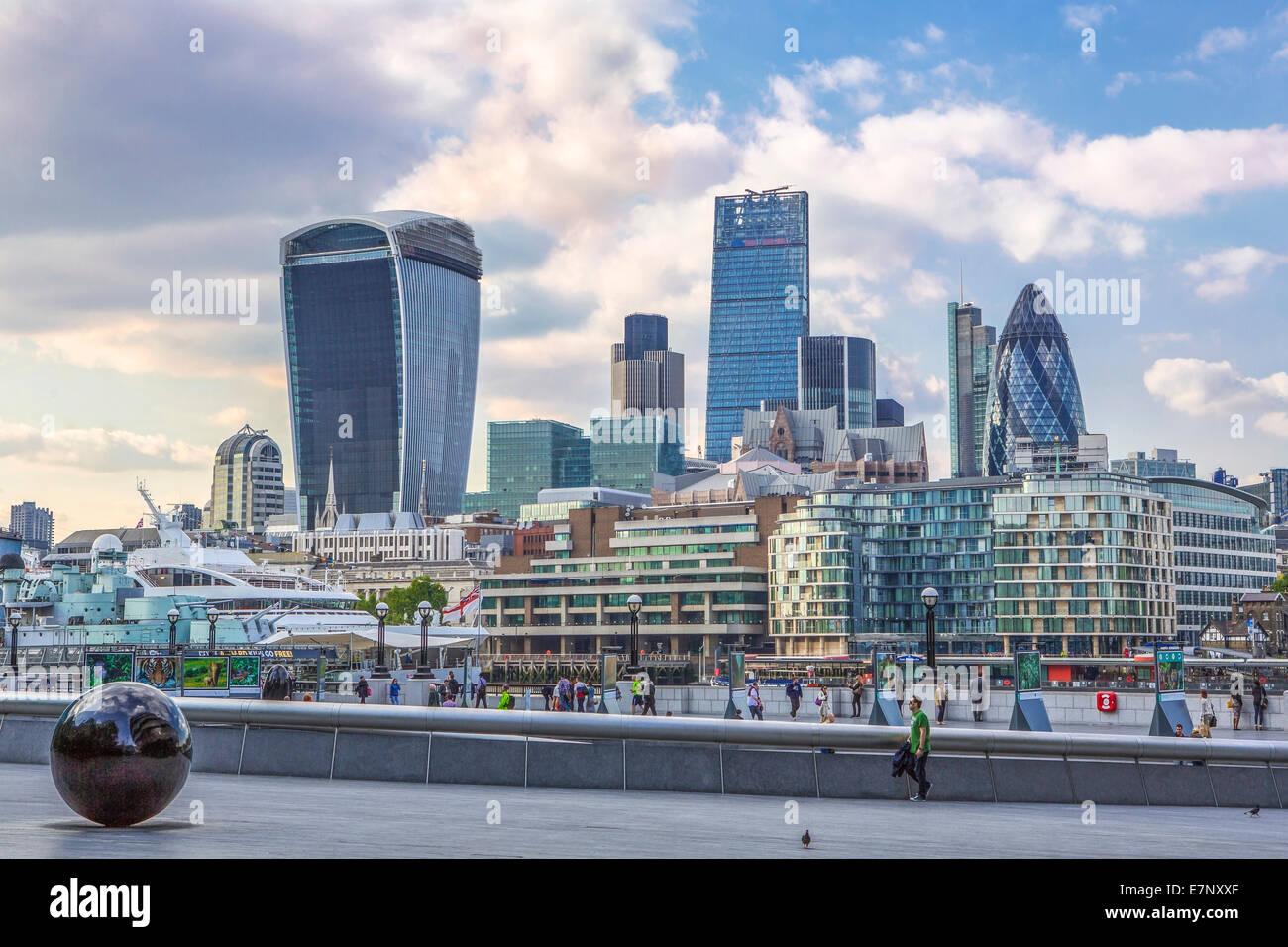 Città di Londra, Inghilterra, Regno Unito, architettura, sfera, famoso, skyline, Thames, fiume, turismo, viaggi Immagini Stock