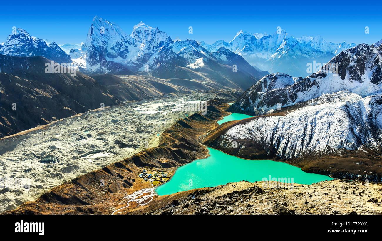 La splendida vista dal Gokyo Ri, Everest regione, Nepal Immagini Stock