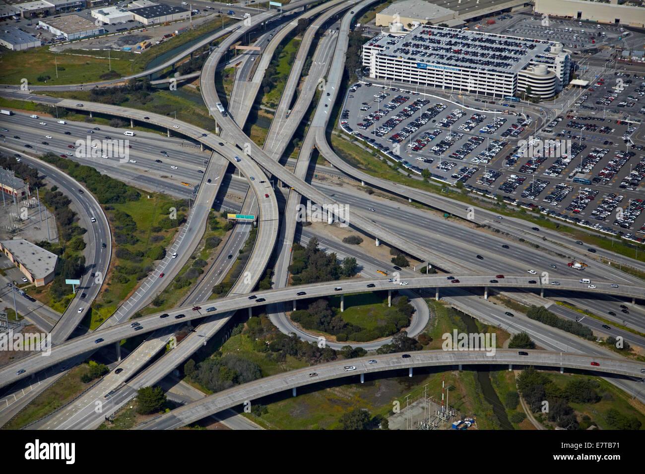 Interscambio di 1-380 e Bayshore Freeway, San Francisco, California, Stati Uniti d'America - aerial Immagini Stock