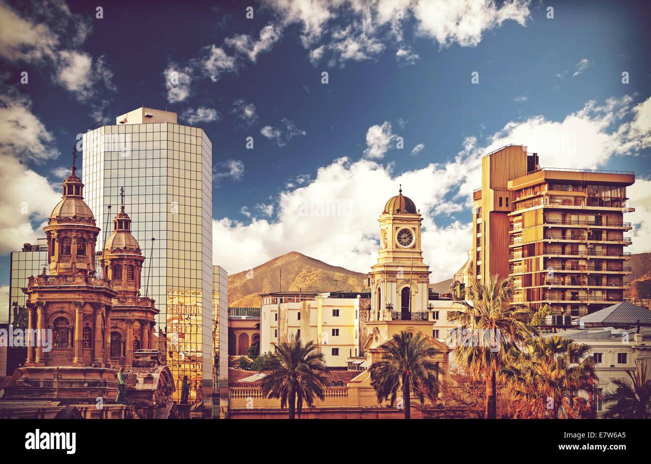 In stile vintage foto di Santiago de Cile downtown, Cile. Immagini Stock