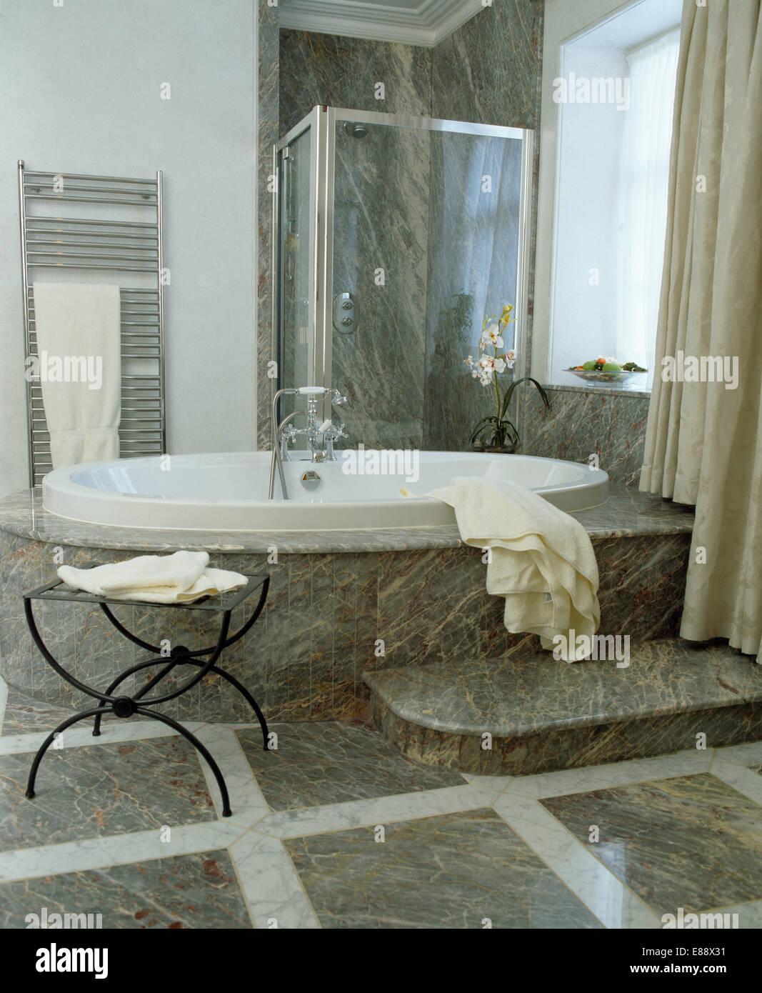 Bagno moderno grigio fabulous bagno moderno grigio with bagno moderno grigio amazing bagno - Piastrelle di marmo ...