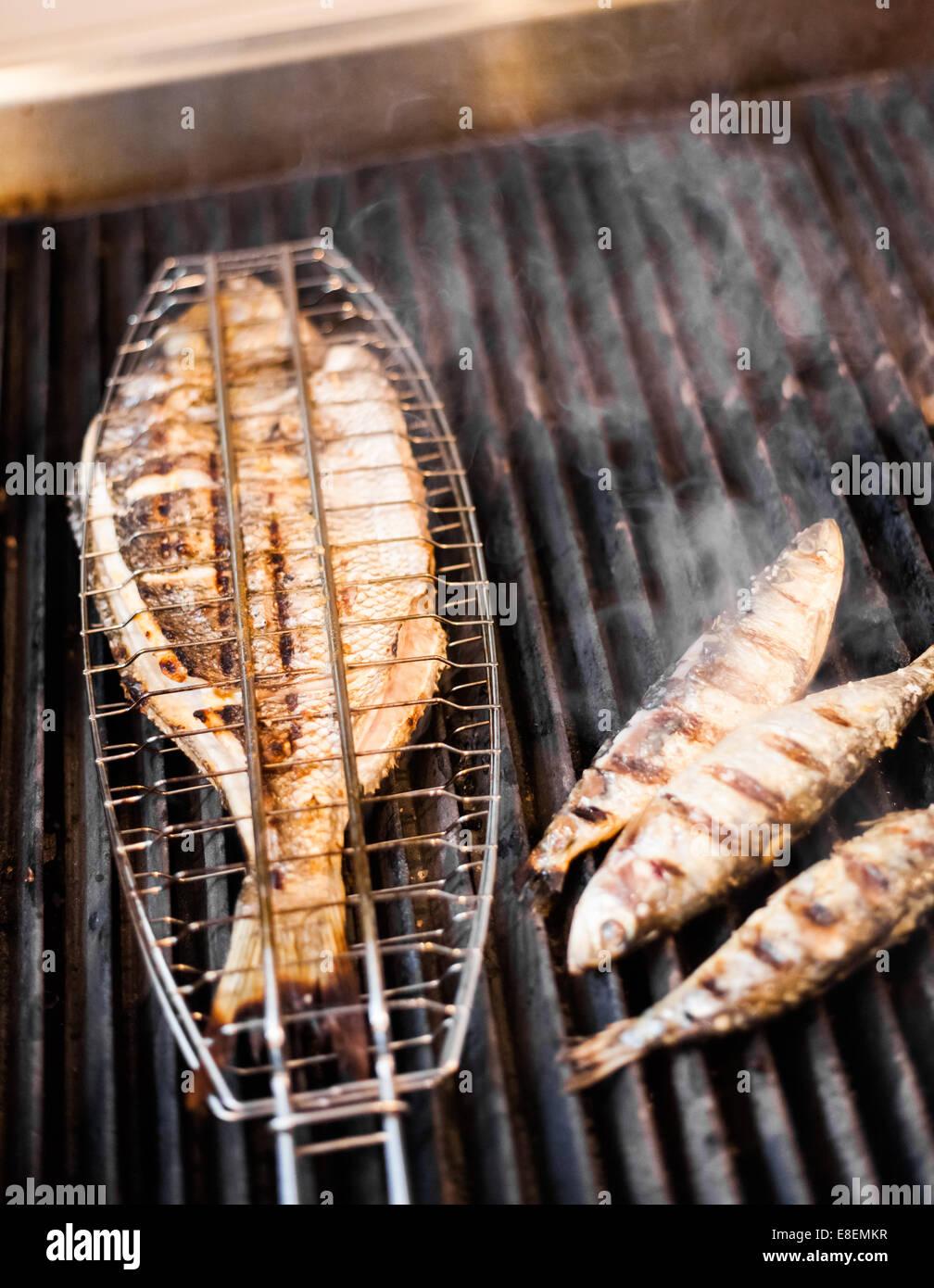 Pesce Alla Griglia In Un Ristorante Portoghese Foto Immagine Stock