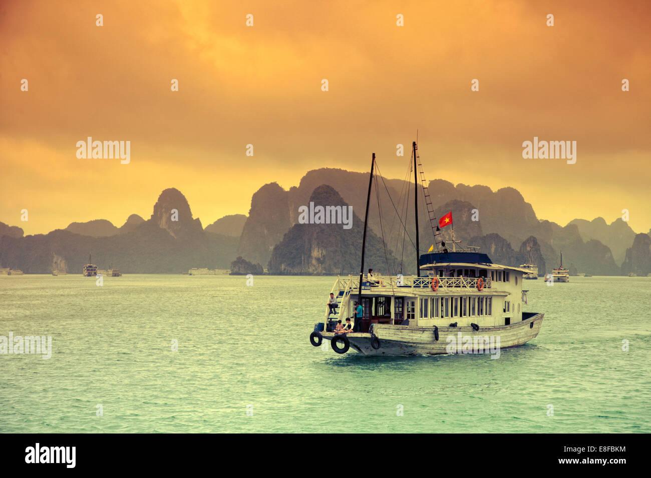 Il Vietnam, Halong Bay Foto Stock