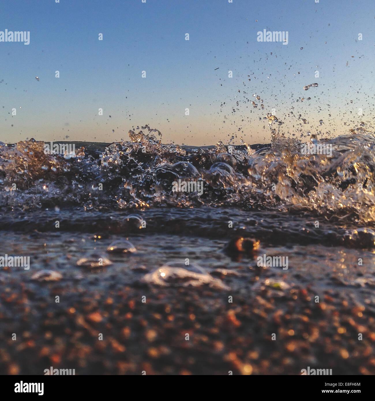 In prossimità della riva del mare Foto Stock