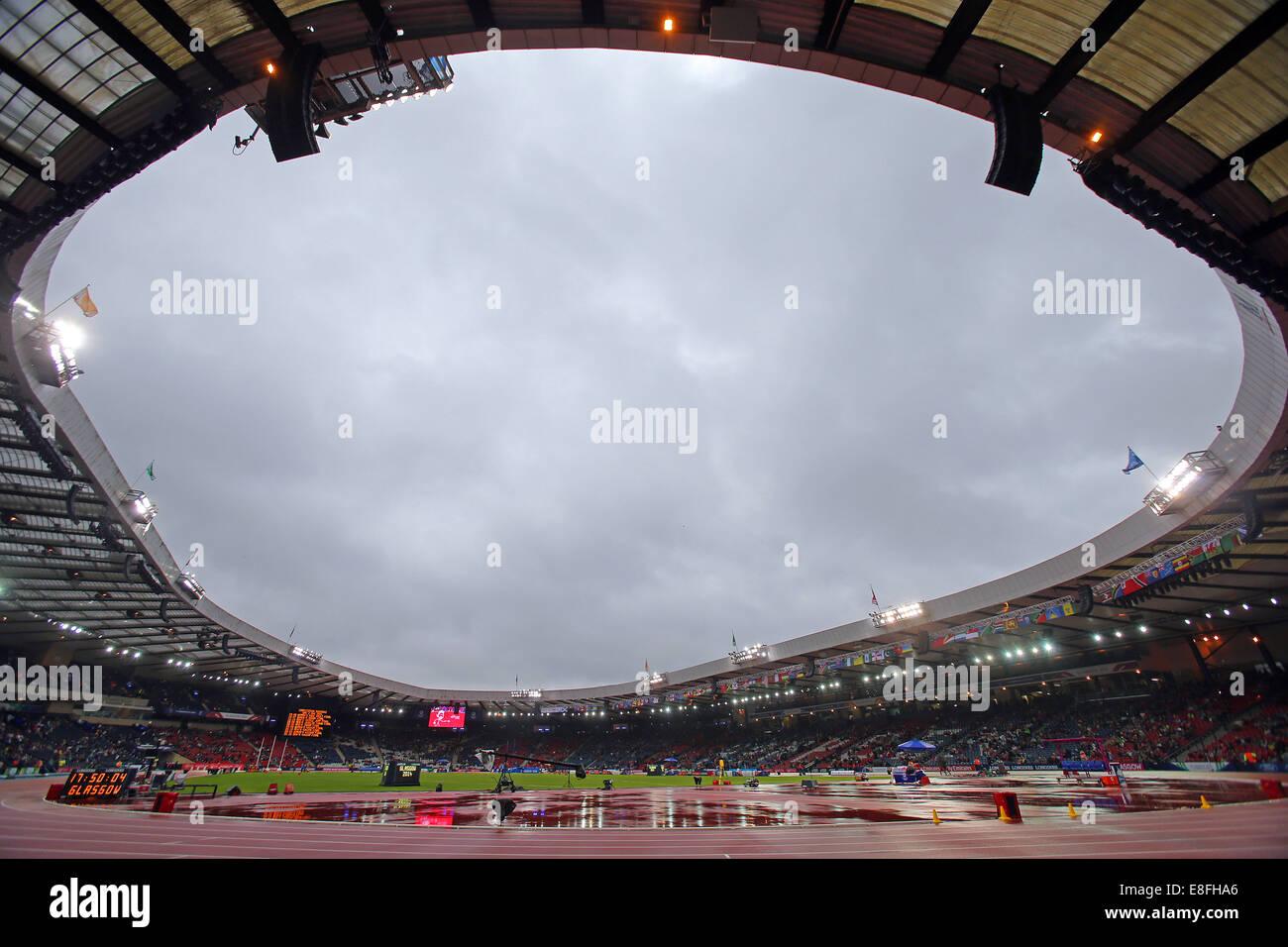GV di una piovosa Hampden Park, Glasgow. Atletica - Hampden Park - Glasgow - REGNO UNITO - 02/08/2014 - Giochi del Immagini Stock