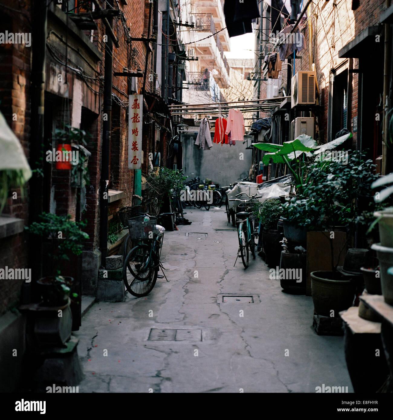 Cina, Shanghai, Strada stretta Immagini Stock