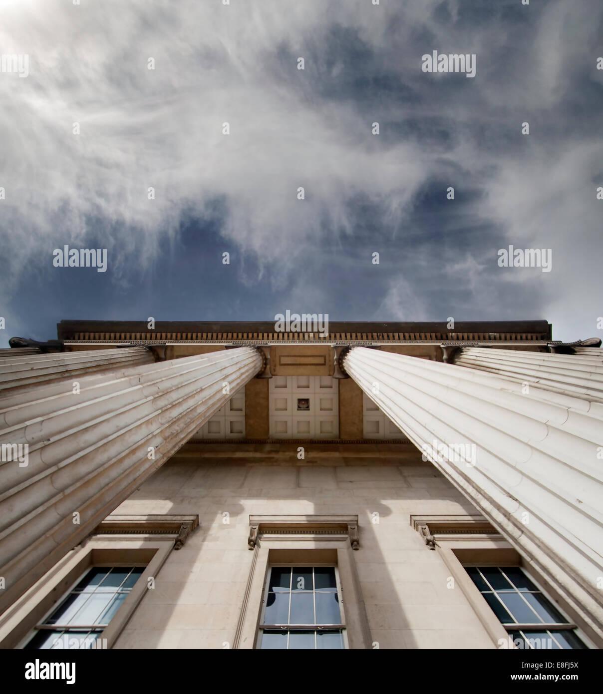 Regno Unito, Inghilterra, Londra, basso angolo di visione del British Museum Immagini Stock