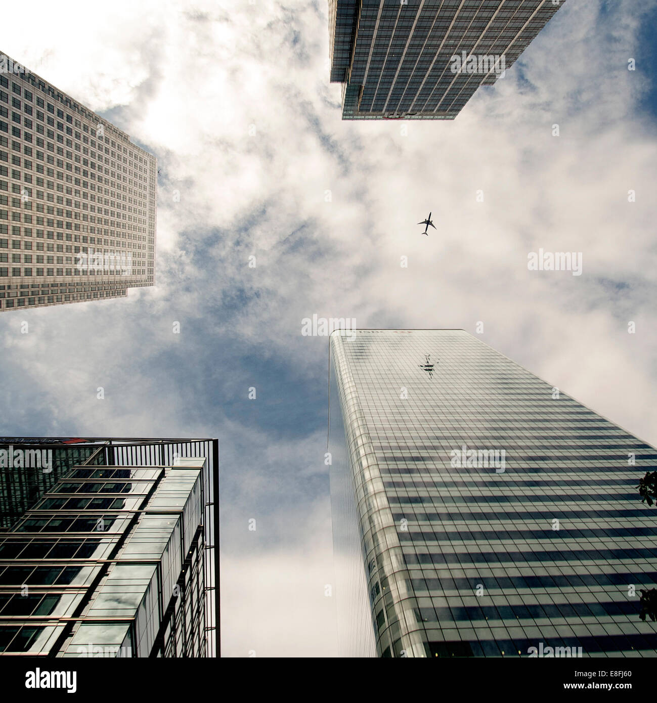 Aereo passato grattacieli, Canada Square, London, England, Regno Unito Immagini Stock