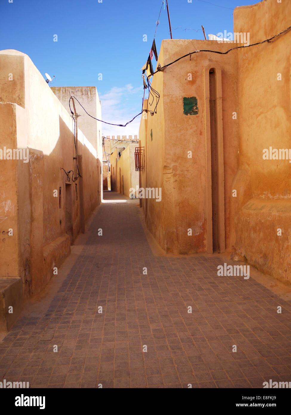 Vicolo di vuoti tra gli edifici, Marocco Immagini Stock