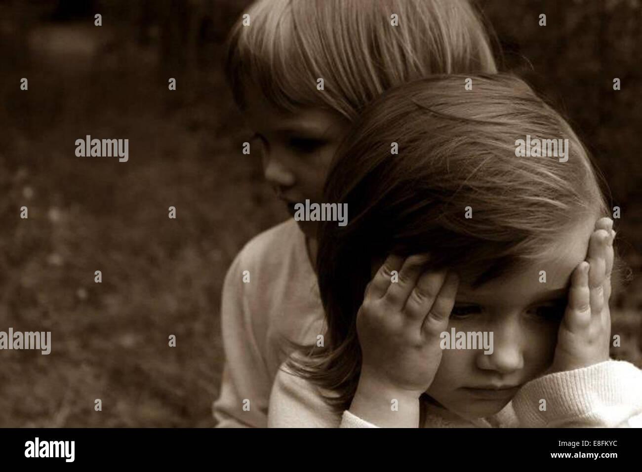 Due bambine all'aperto Immagini Stock