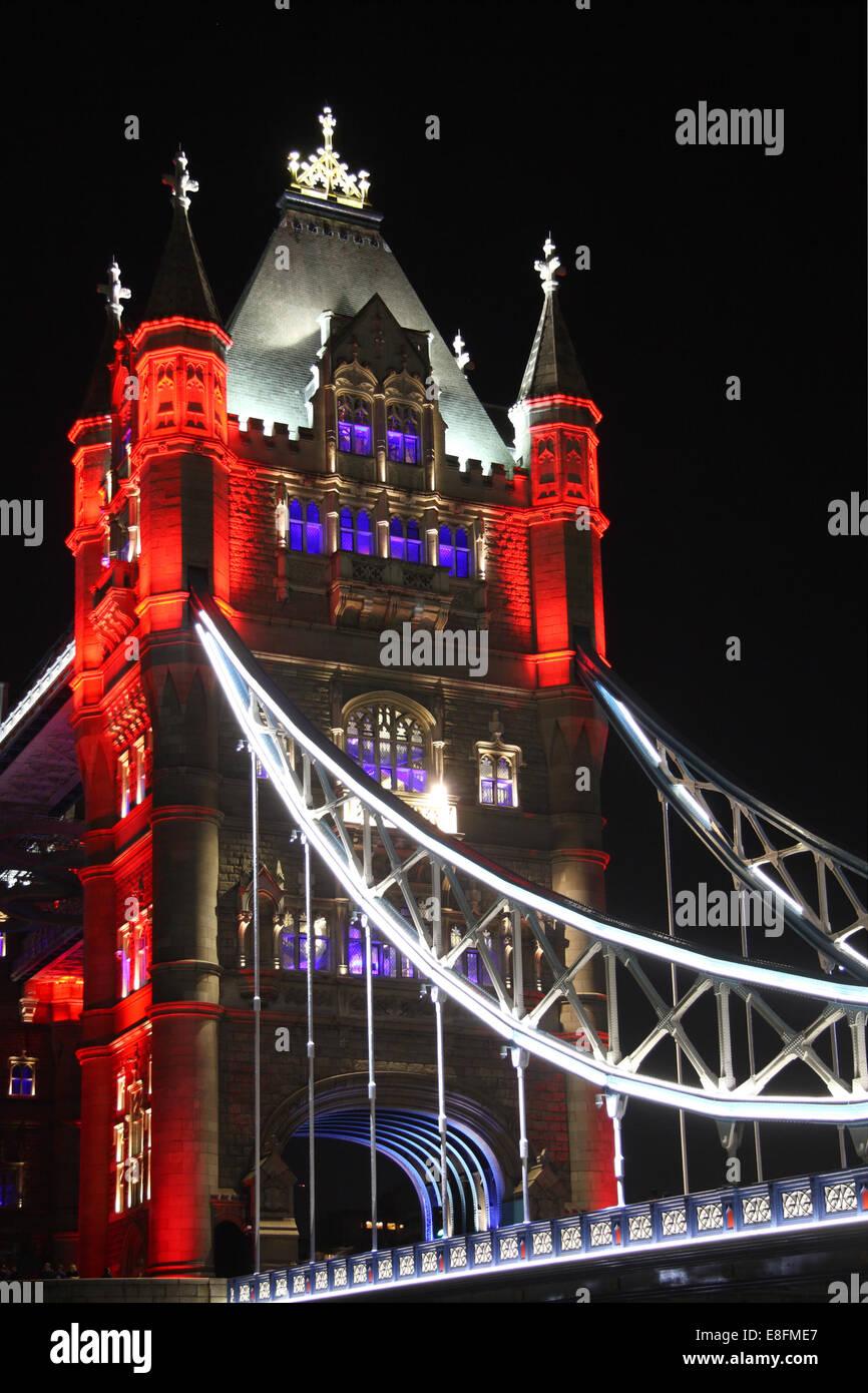 Regno Unito, Londra, il Tower Bridge di notte Immagini Stock