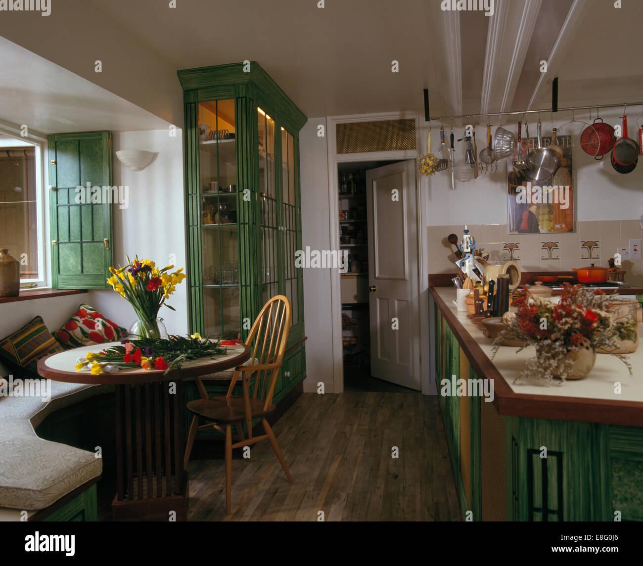 Kitchen banquette immagini kitchen banquette fotos stock alamy - Panca e tavolo cucina ...