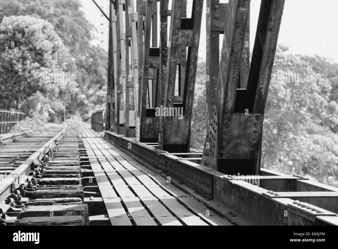 Ferrovia abbandonata la via Immagini Stock