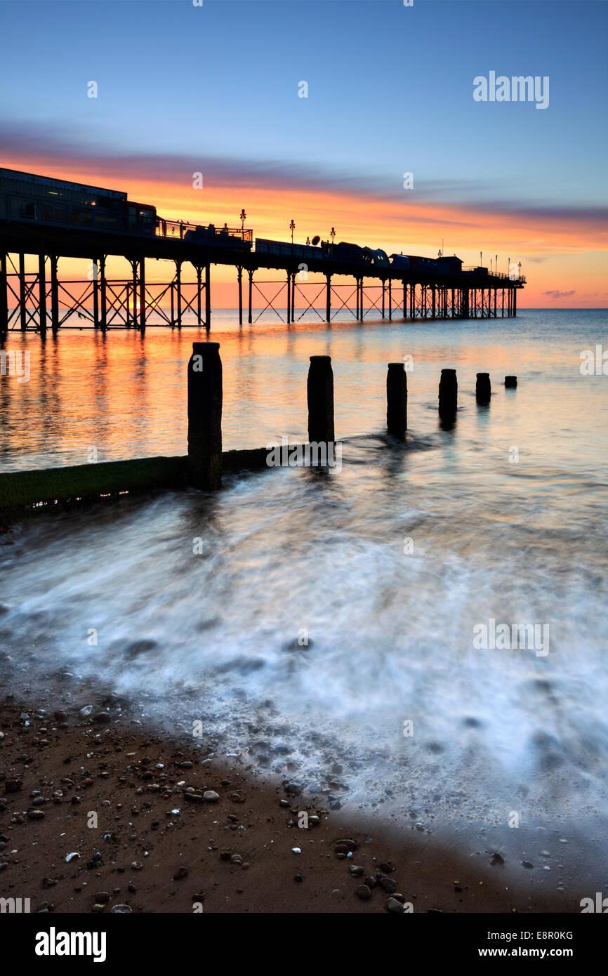 Teignmouth Pier catturata a sunrise. Immagini Stock