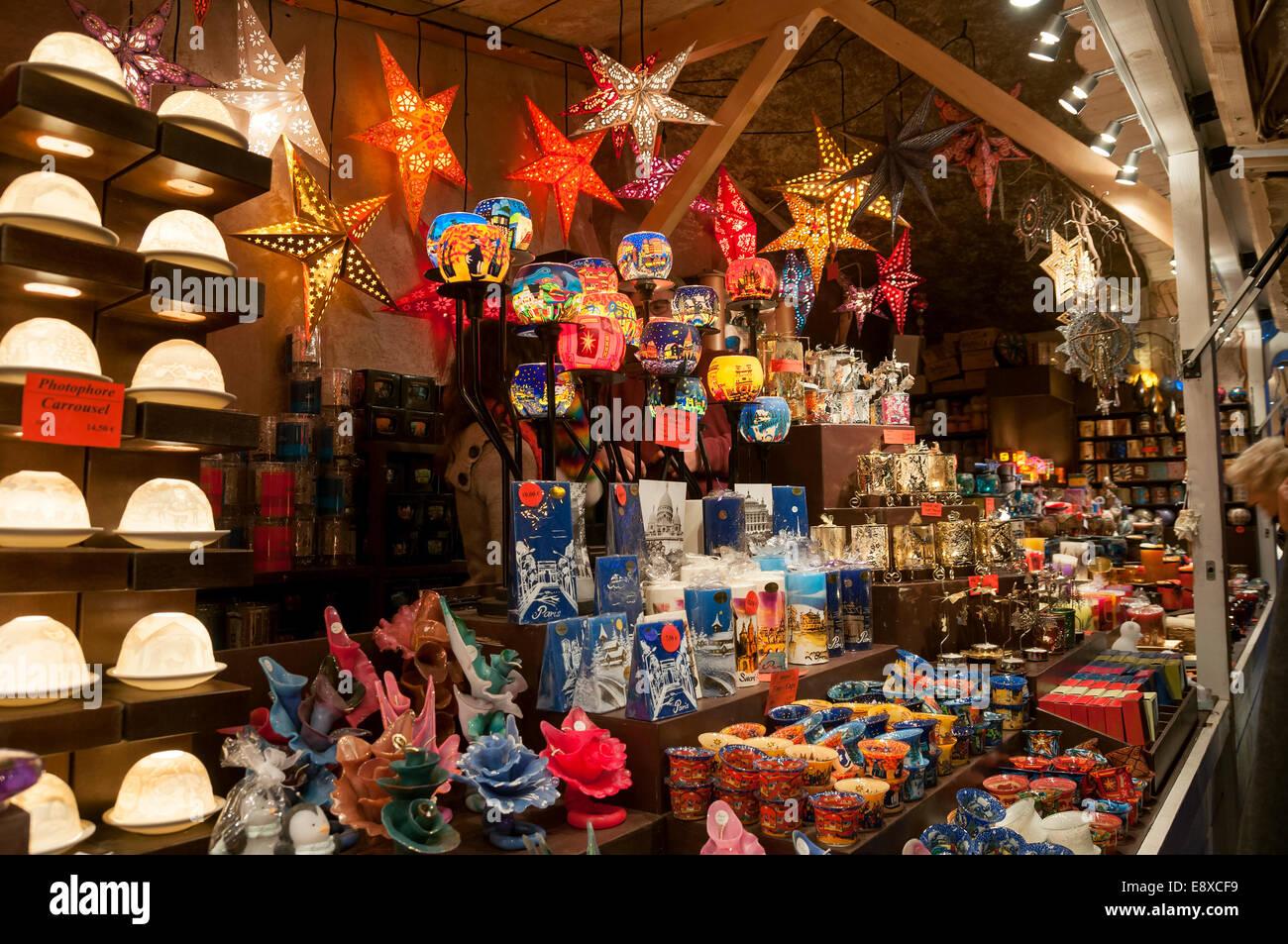 Stand al mercatino di Natale a Parigi Immagini Stock