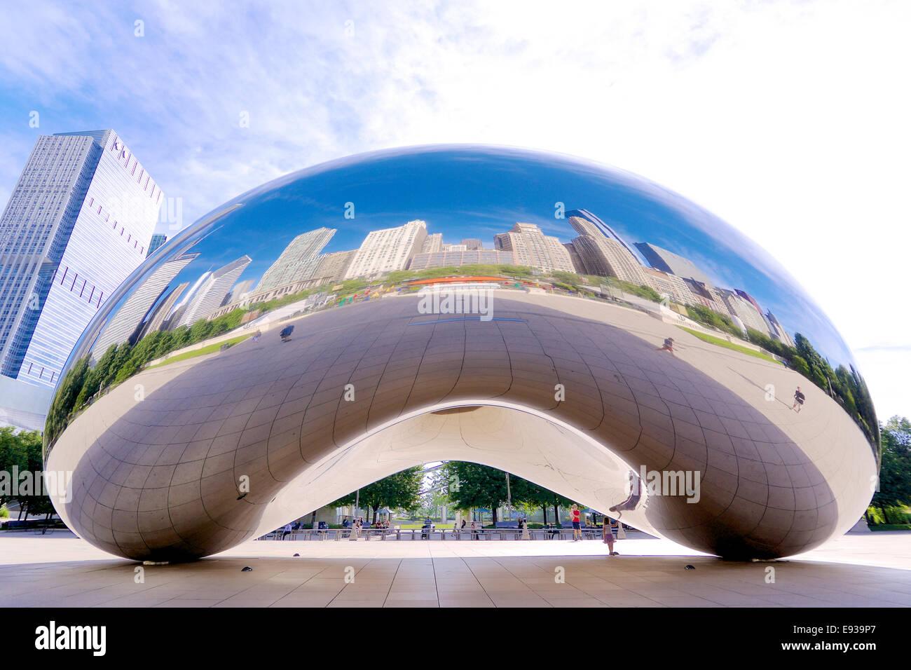 Il fagiolo scultura in downtown Chicago, IL Immagini Stock
