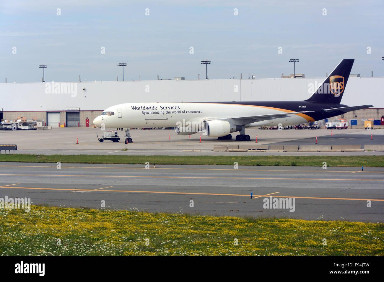 Aeroplano di UPS Immagini Stock