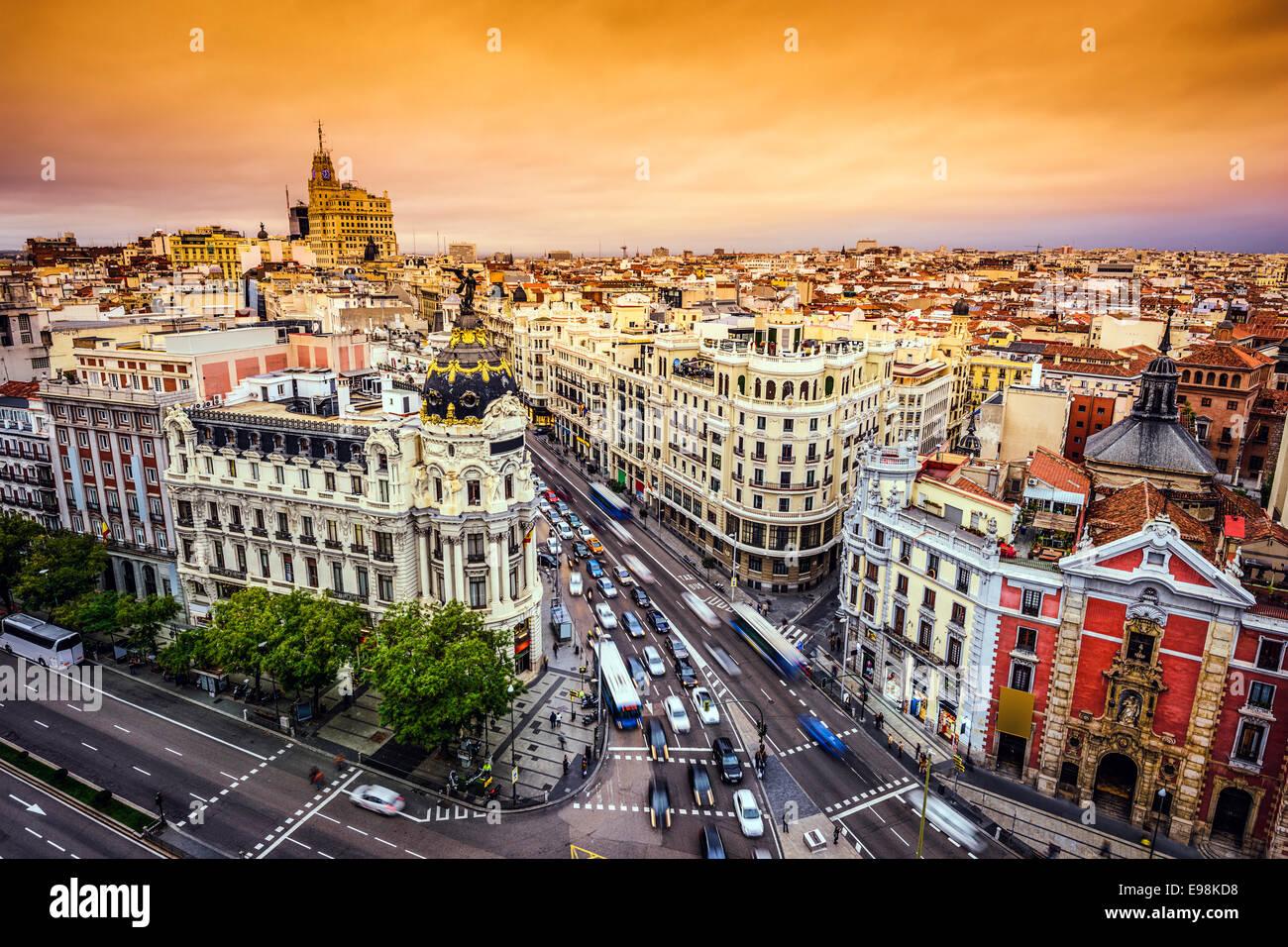 Madrid, Spagna cityscape sopra Gran Via strada dello shopping. Immagini Stock