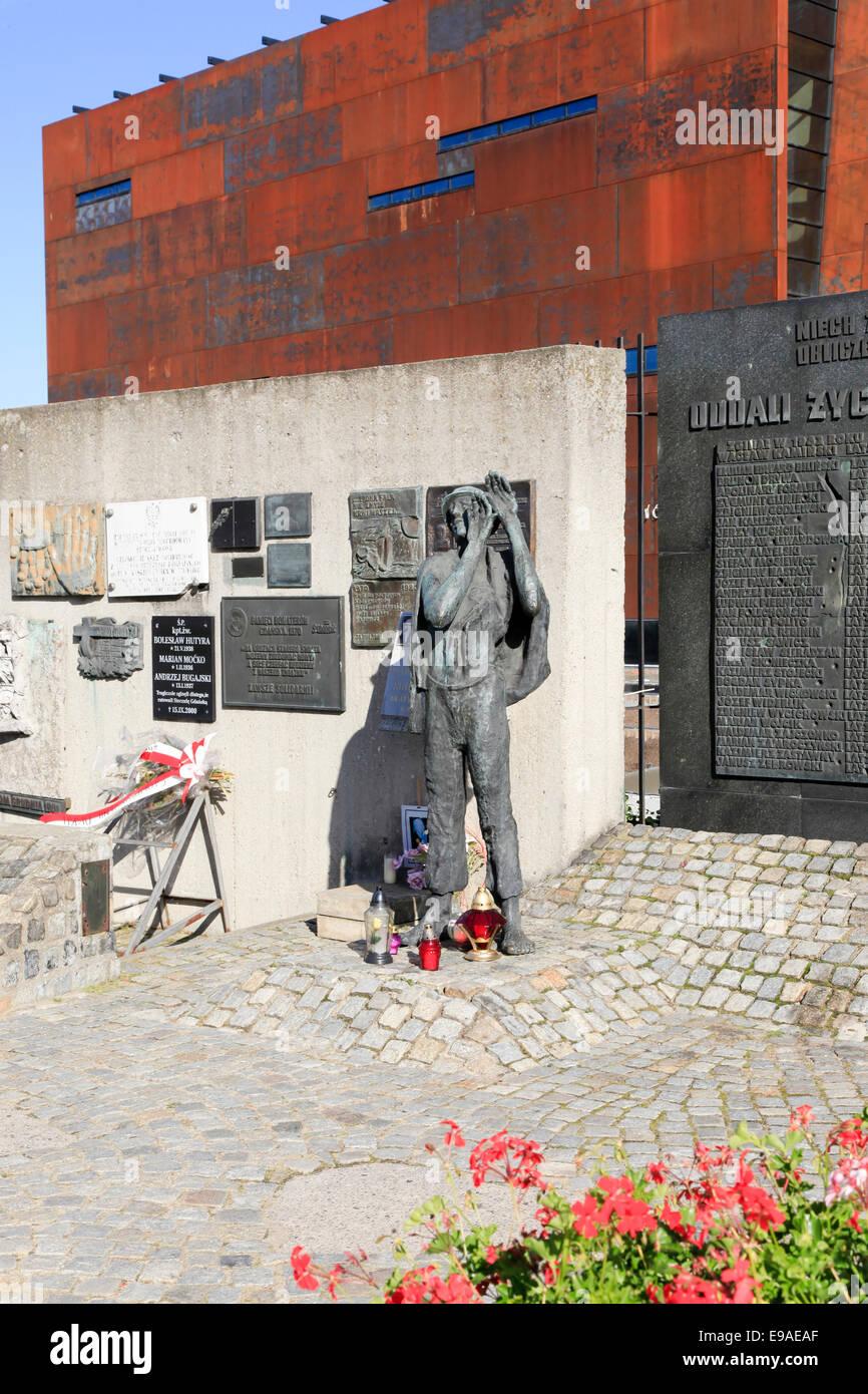 Memorial per il cantiere navale ha ucciso i lavoratori durante la sollevazione di solidarietà, Gdansk, Polonia Immagini Stock