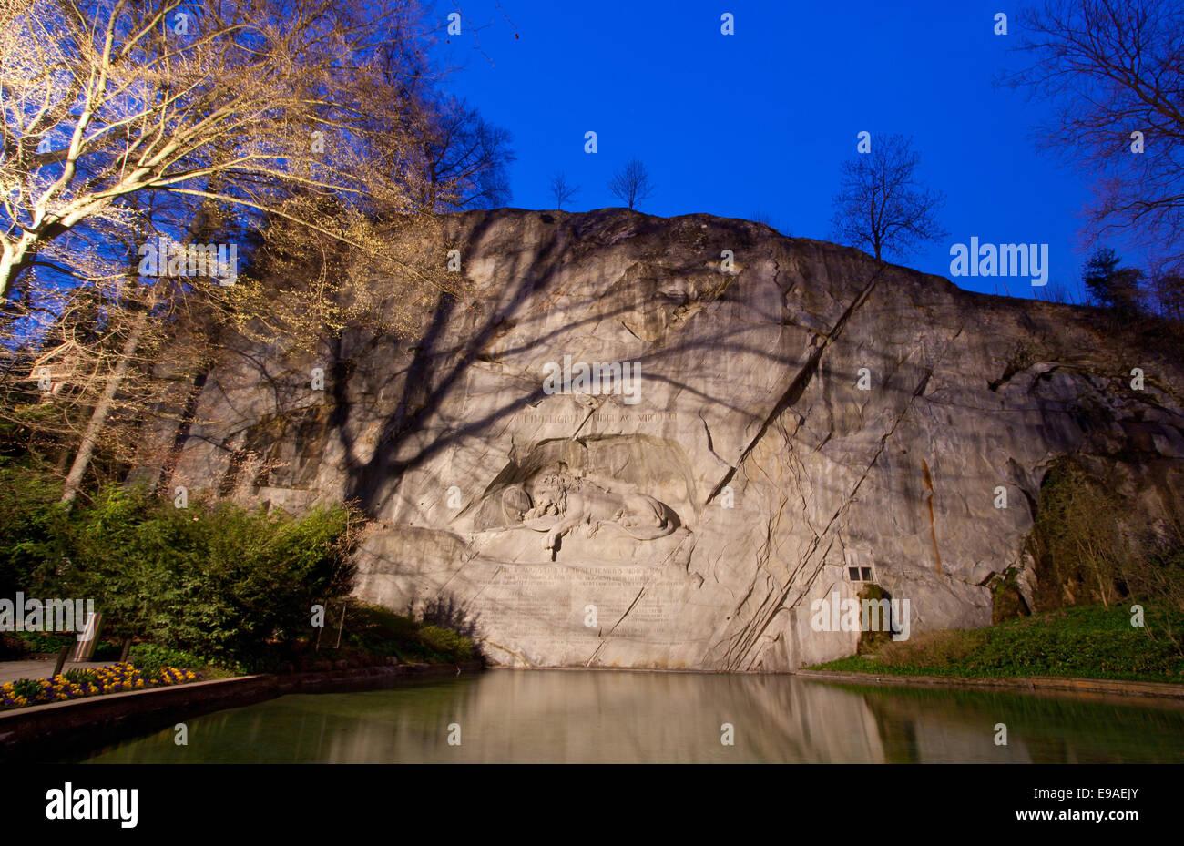 Morendo il Monumento del Leone svizzera Immagini Stock