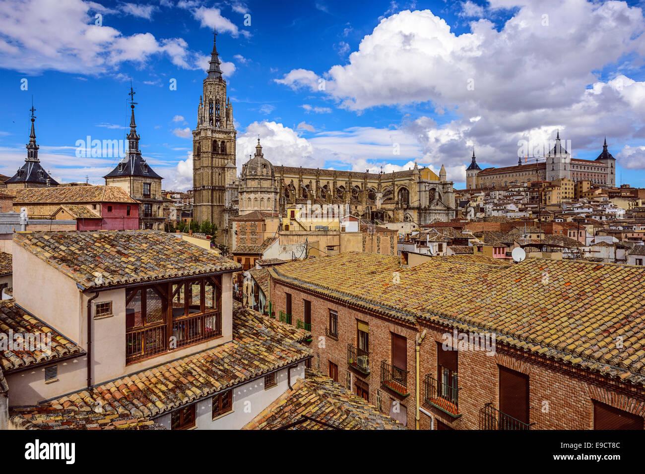 Toledo, Spagna lo skyline della città con la cattedrale e Alcazar. Immagini Stock