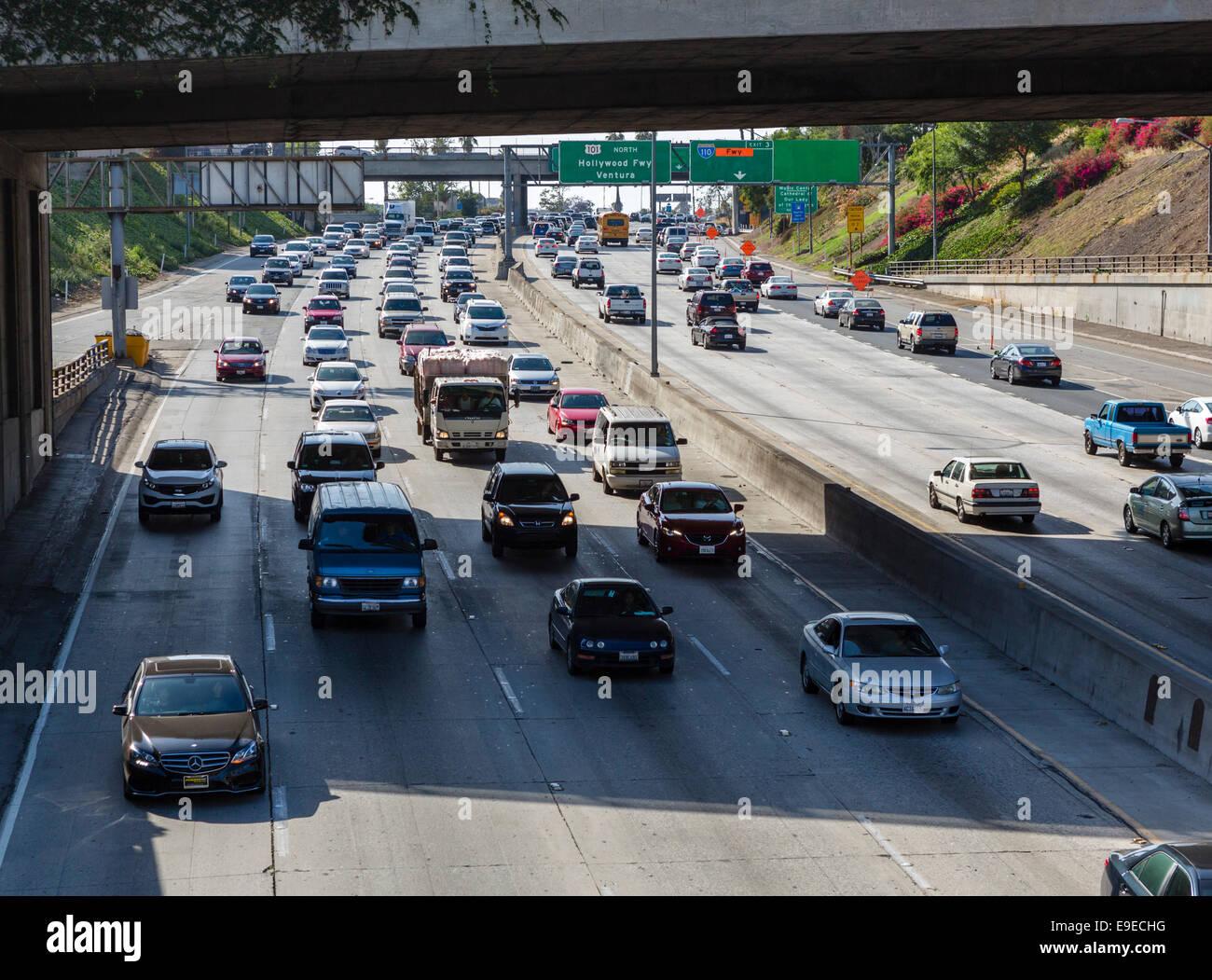 La Santa Ana Freeway (USA 101) visto dal N Broadway bridge nel centro cittadino di Los Angeles, California, Stati Immagini Stock