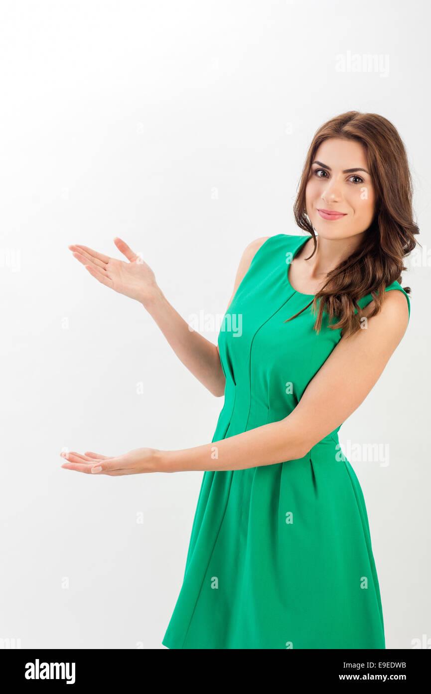 d2b0d86cab22 Ritratto di un fiducioso giovane donna d affari business indossando vestiti  eleganti