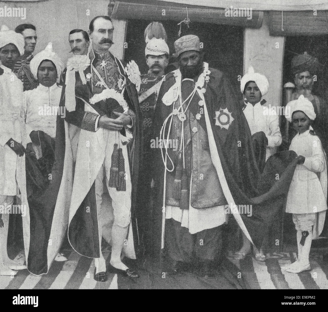 A Sua Eccellenza il signor Rt onorevole Lord Sandhurst, governatore di Bombay con Sua Santità il Mir di Khairpur, Immagini Stock
