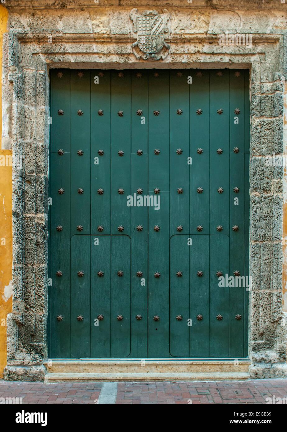 Close-up di vecchie porte Cartagena, Colombia Immagini Stock