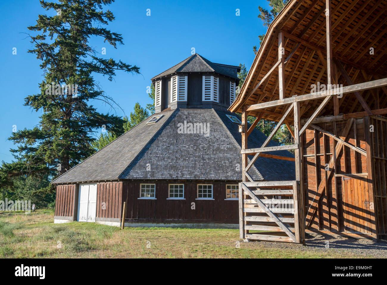 Storico caseificio ottagonale granaio, Fintry Parco Provinciale, Okanagan Valley, British Columbia, Canada Immagini Stock