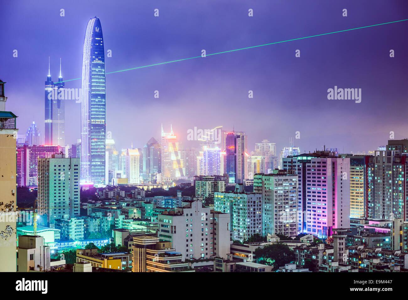 Shenzhen, Cina skyline della città di notte. Immagini Stock
