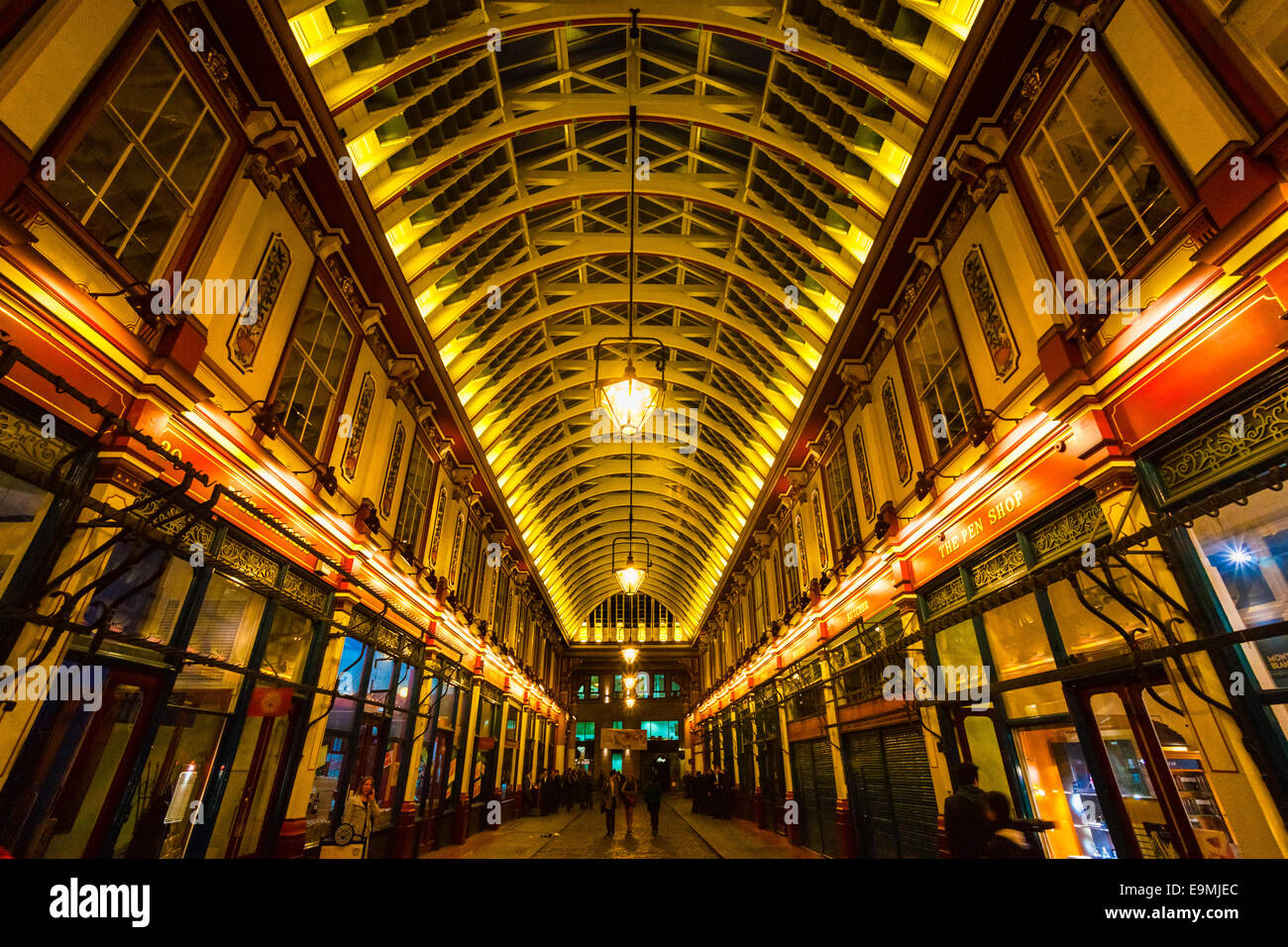 Londra - MARZO 19: mercato Leadenhall è un mercato coperto a Londra ,è uno dei più antichi marketsof Immagini Stock