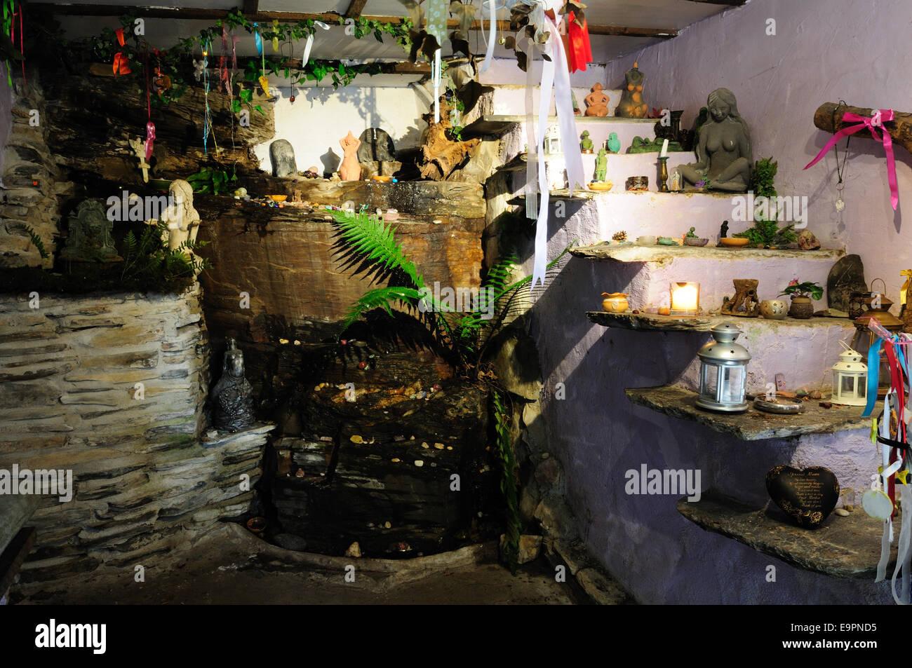 Offerte votive in St cella Nectans Tintagel Cornwall Inghilterra UK GB Immagini Stock