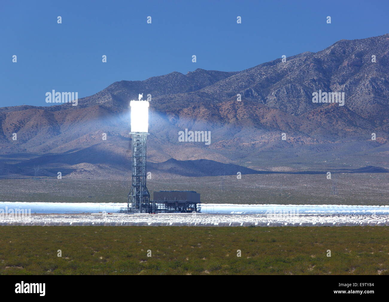 Ivanpah energia termica solare progetto, vicino Primm, CALIFORNIA, STATI UNITI D'AMERICA Immagini Stock
