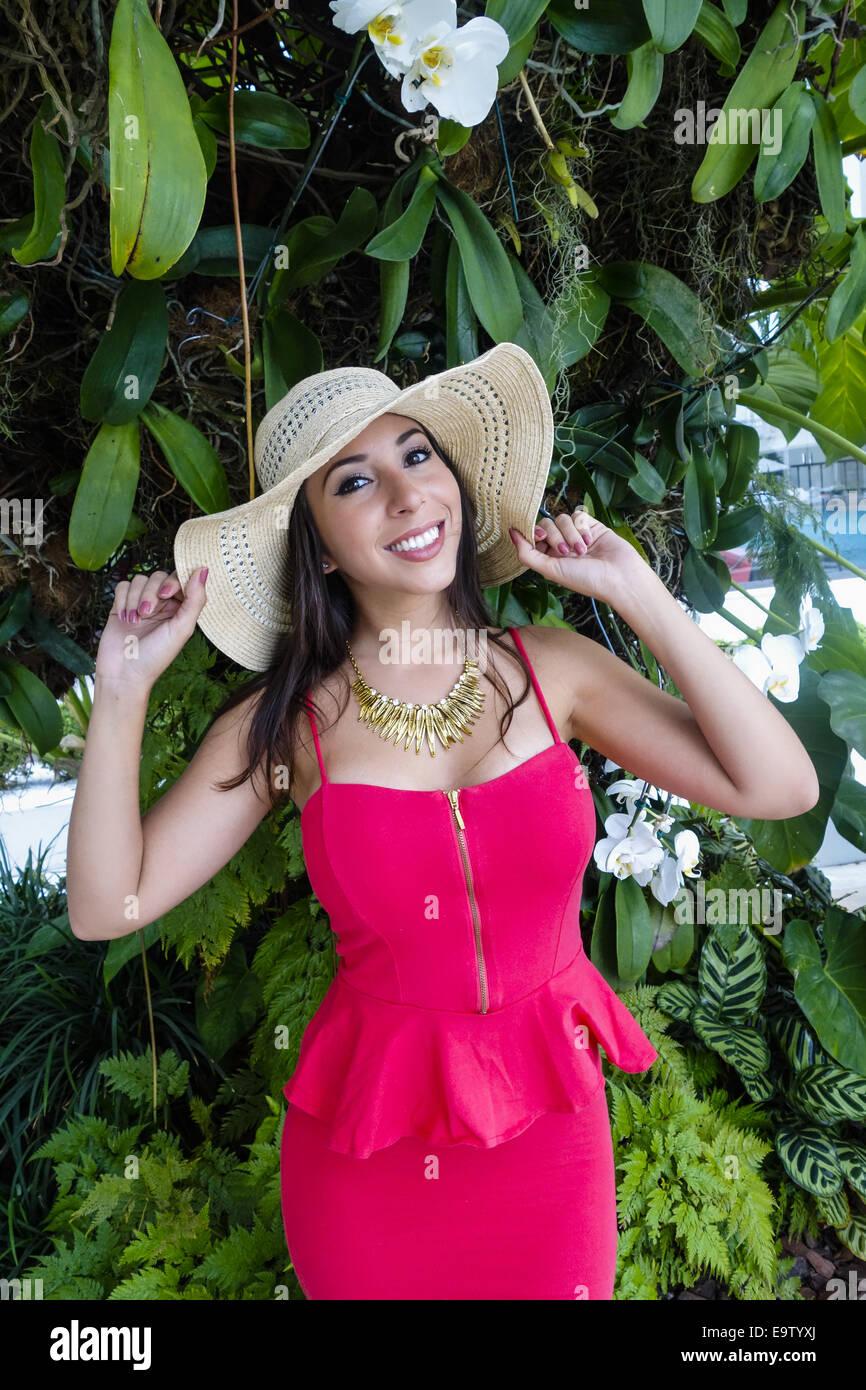 Rio de Janeiro Copacabana, il Copacabana Palace Hotel, giovane donna, Brasile (modello-rilasciato) Immagini Stock