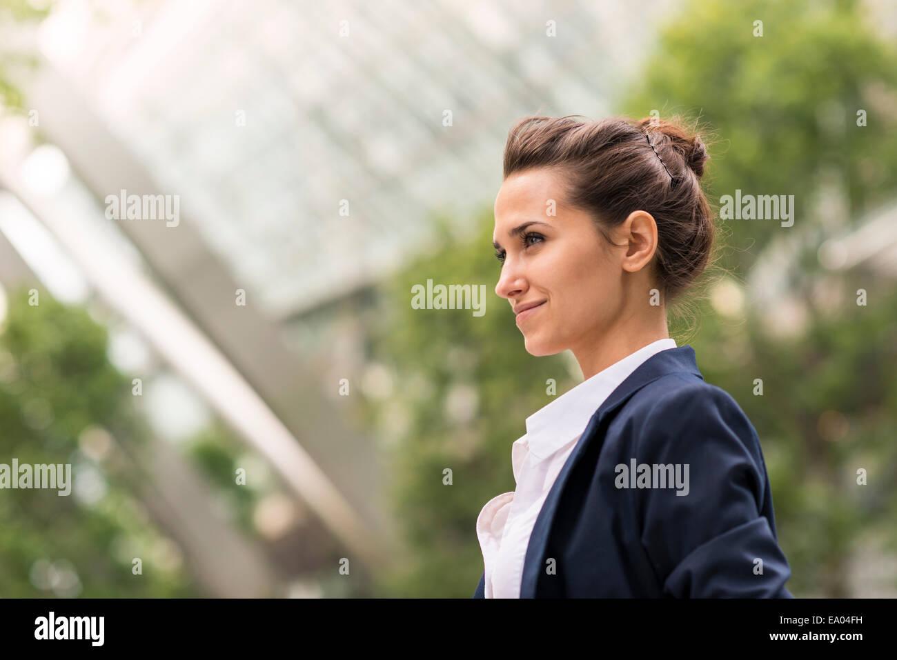 Imprenditrice a Broadgate Tower, London, Regno Unito Immagini Stock
